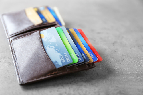 How to consolidate credit cards debt.